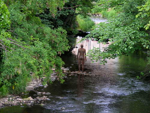 Anthony Gormley statue in Stockbridge